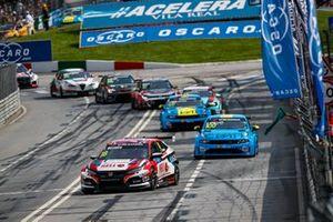 Tiago Monteiro, KCMG Honda Civic Type R TCR, Yvan Muller, Cyan Racing Lynk & Co 03 TCR