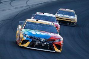 Kyle Busch, Joe Gibbs Racing, Toyota Camry M&M's Toyota Camry and Austin Dillon, Richard Childress Racing, Chevrolet Camaro AAA