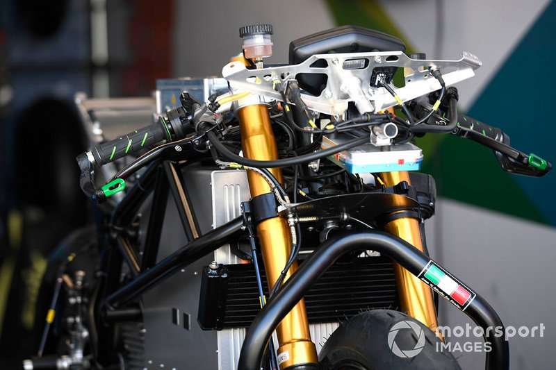 Detalle de la moto de Bradley Smith, SIC Racing Team
