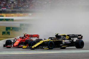Nico Hulkenberg, Renault F1 Team R.S. 19 and Charles Leclerc, Ferrari SF90 battle
