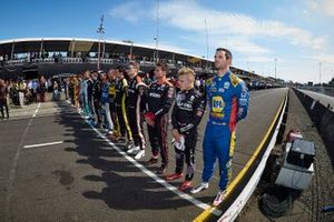 IndyCar series drivers, crew and staff member pay tribute to Anthonie Hubert