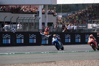 Race winner Alex Rins, Team Suzuki MotoGP, second place Marc Marquez, Repsol Honda Team