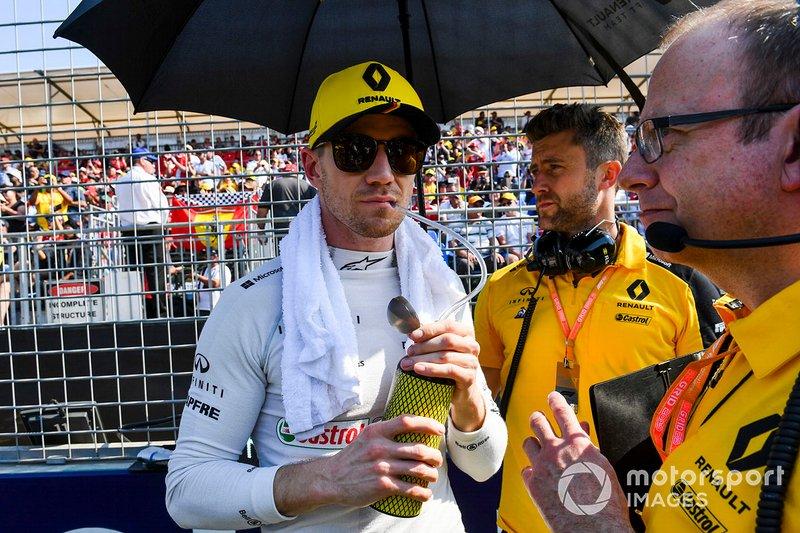 Nico Hulkenberg, Renault F1 Team, in griglia di partenza