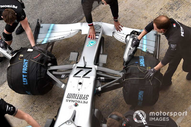 Mercedes-AMG F1 W10 nose and front wing