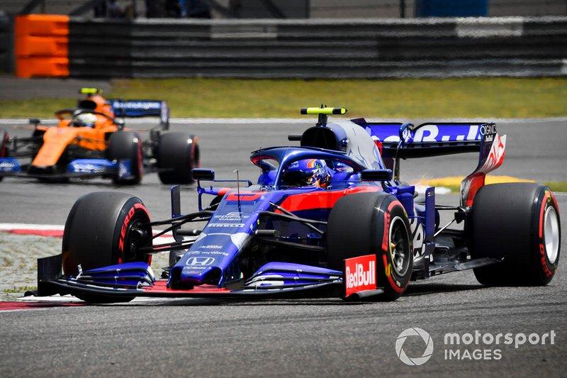 Alexander Albon, Toro Rosso STR14, Lando Norris, McLaren MCL34