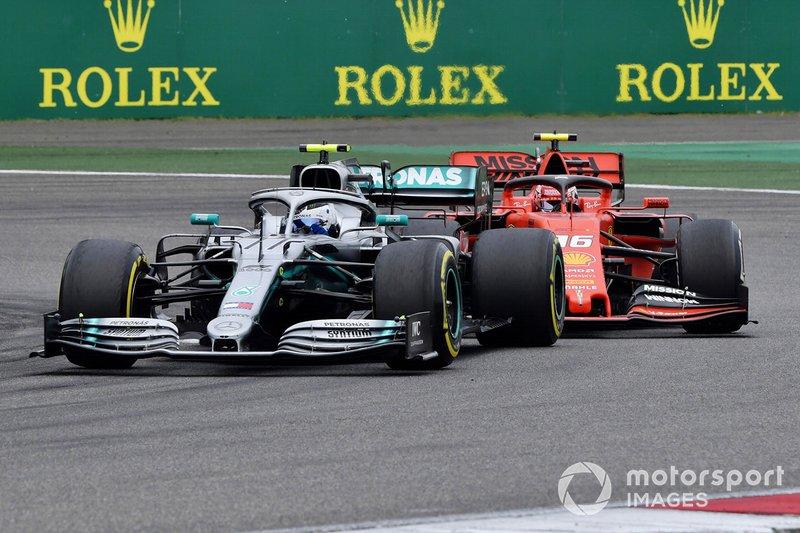 Valtteri Bottas, Mercedes AMG W10 y Charles Leclerc, Ferrari SF90