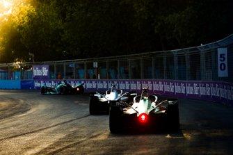 Lucas di Grassi, Audi Sport ABT Schaeffler, Audi e-tron FE05 follows Felipe Massa, Venturi Formula E, Venturi VFE05