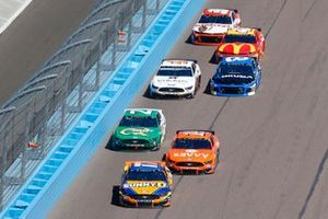 Ricky Stenhouse Jr., Roush Fenway Racing, Ford Mustang SunnyD, Clint Bowyer, Stewart-Haas Racing, Ford Mustang ITsavvy, Paul Menard, Wood Brothers Racing, Ford Mustang Menards / Quaker State