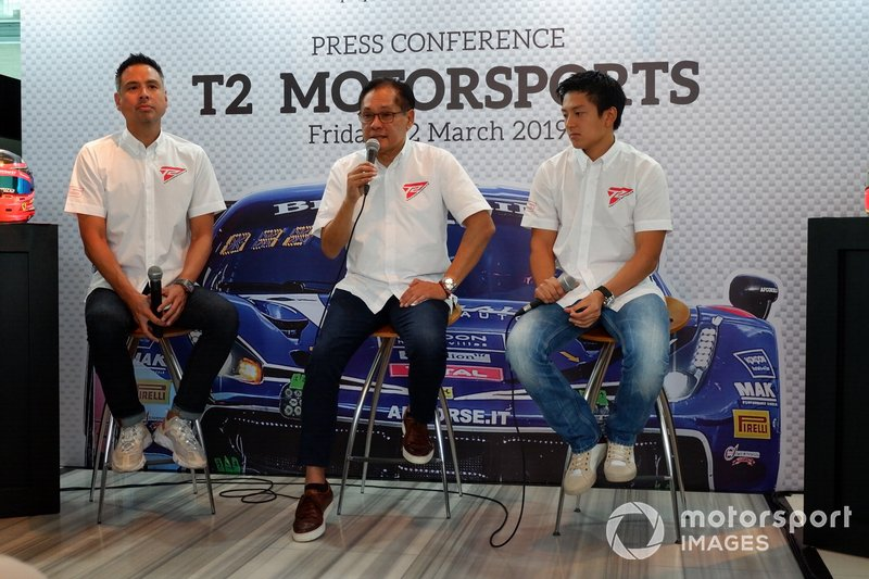 David Tjiptobiantoro, Team Principal Irmawan Poedjoadi, Rio Haryanto, T2 Motorsports