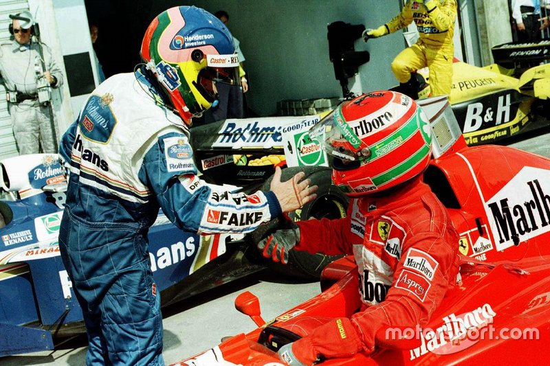 Jacques Villeneuve, Williams; Eddie Irvine, Ferrari