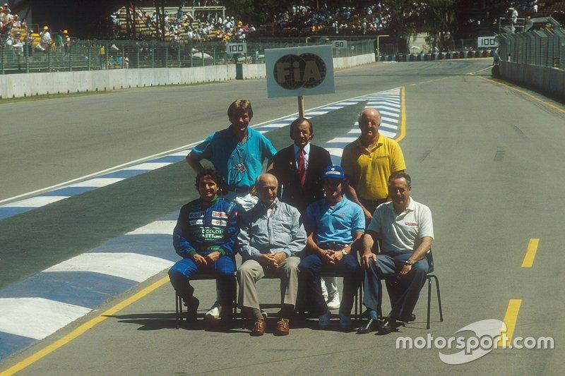 Quatro anos depois, os brasileiros estariam em outro icônico registro de campeões da F1, ao lado de James Hunt, Jackie Stewart, Denny Hulme, Juan Manuel Fangio e Jack Brabham, em Adelaide, na Austrália