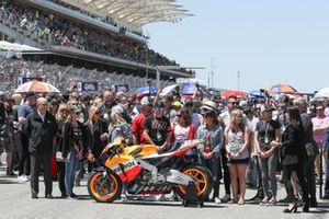 Nicky Hayden'ın motosikleti ve ailesi