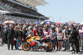 Nicky Hayden bike and family