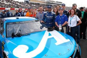 Martin Truex Jr., Joe Gibbs Racing, Toyota Camry Auto Owners Insurance and guests