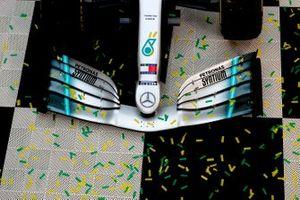 Podyum: Yarış galibi Valtteri Bottas, Mercedes AMG W10