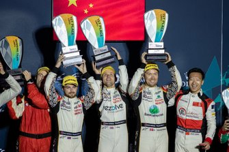 Podio P2: #37 Jackie Chan DC Racing Oreca 07: David Heinemeier Hansson, Jordan King, Will Stevens