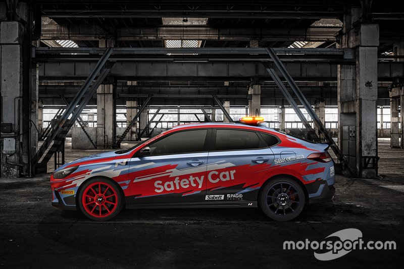 Hyundai i30Fastback N safety car