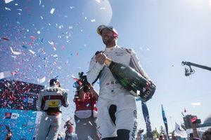 Winner Sam Bird, Envision Virgin Racing celebrates on the podium