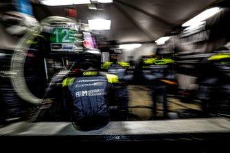 #12 AIM Vasser Sullivan Lexus RC F GT3, GTD: Frank Montecalvo, Townsend Bell, Aaron Telitz, Jeff Segal, crew