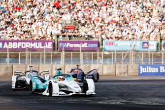 Oliver Turvey, NIO Formula E Team, NIO Sport 004 leads Jose Maria Lopez, GEOX Dragon Racing, Penske EV-3