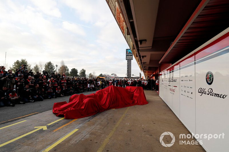 The new Alfa Romeo Racing C38 under covers