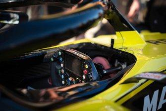 Le volant de la Renault F1 Team R.S.19