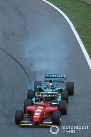 Jos Verstappen, Benetton B194 prova a sorpassare Gerhard Berger, Ferrari 412T1