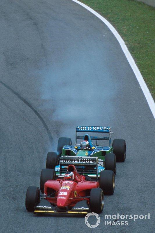 Jos Verstappen, Benetton B194, achter Gerhard Berger, Ferrari 412T1