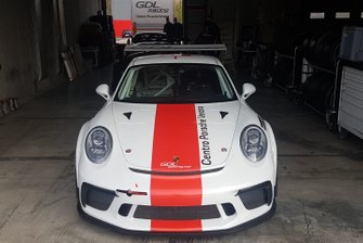 Porsche GDL Racing, nel garage