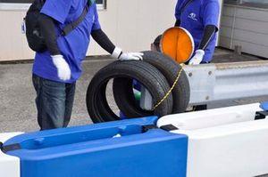 ガードレールエンドには、タイヤを取り付けて安全対策に|準備が進むA1市街地グランプリ GOTSU 2020のコース