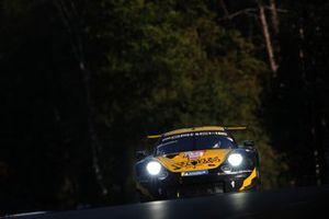 #89 Team Project 1 Porsche 911 RSR: Steve Brooks, Benoit Fretin, Bruno Fretin