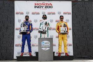 Подиум второй гонки: победитель Колтон Херта, Andretti Harding Steinbrenner Autosport Honda, Александр Росси, Andretti Autosport Honda, Райан Хантер-Рей, Andretti Autosport Honda