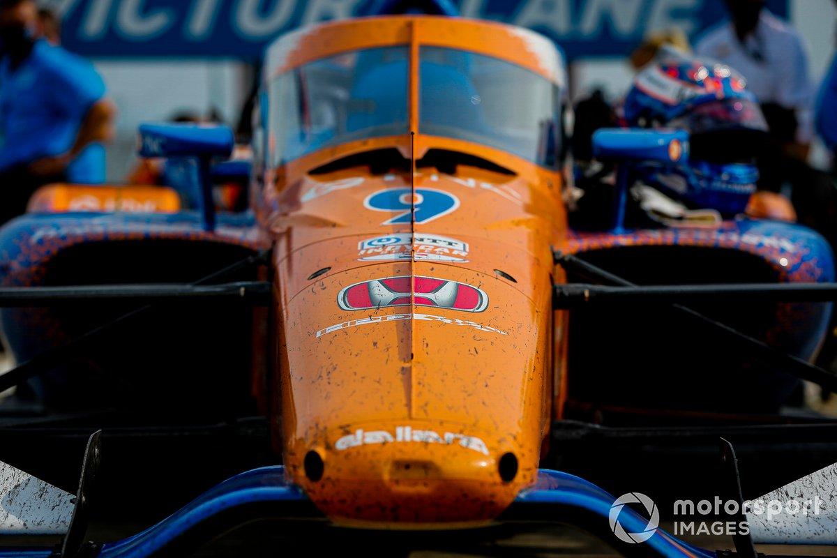 Scott Dixon, Chip Ganassi Racing Honda celebra la victoria de la Carrera 1 del Bommarito Automotive Group 500