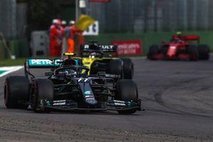 Valtteri Bottas, Mercedes F1 W11, Daniel Ricciardo, Renault F1 Team R.S.20, and Charles Leclerc, Ferrari SF1000