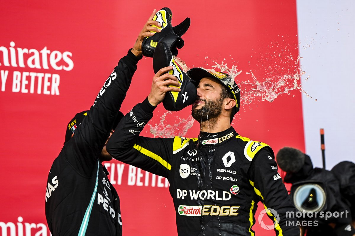 Race Winner Lewis Hamilton, Mercedes-AMG F1 and Daniel Ricciardo, Renault F1 celebrate on the podium with a shoey