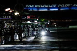 #77 Mazda Team Joest Mazda DPi, DPi: Oliver Jarvis, Tristan Nunez, Olivier Pla, pit stop