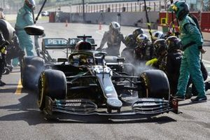 Lewis Hamilton, Mercedes F1 W11 makes a pitstop