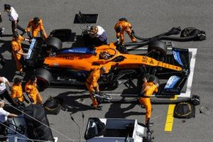 Carlos Sainz Jr., McLaren MCL35, on the grid