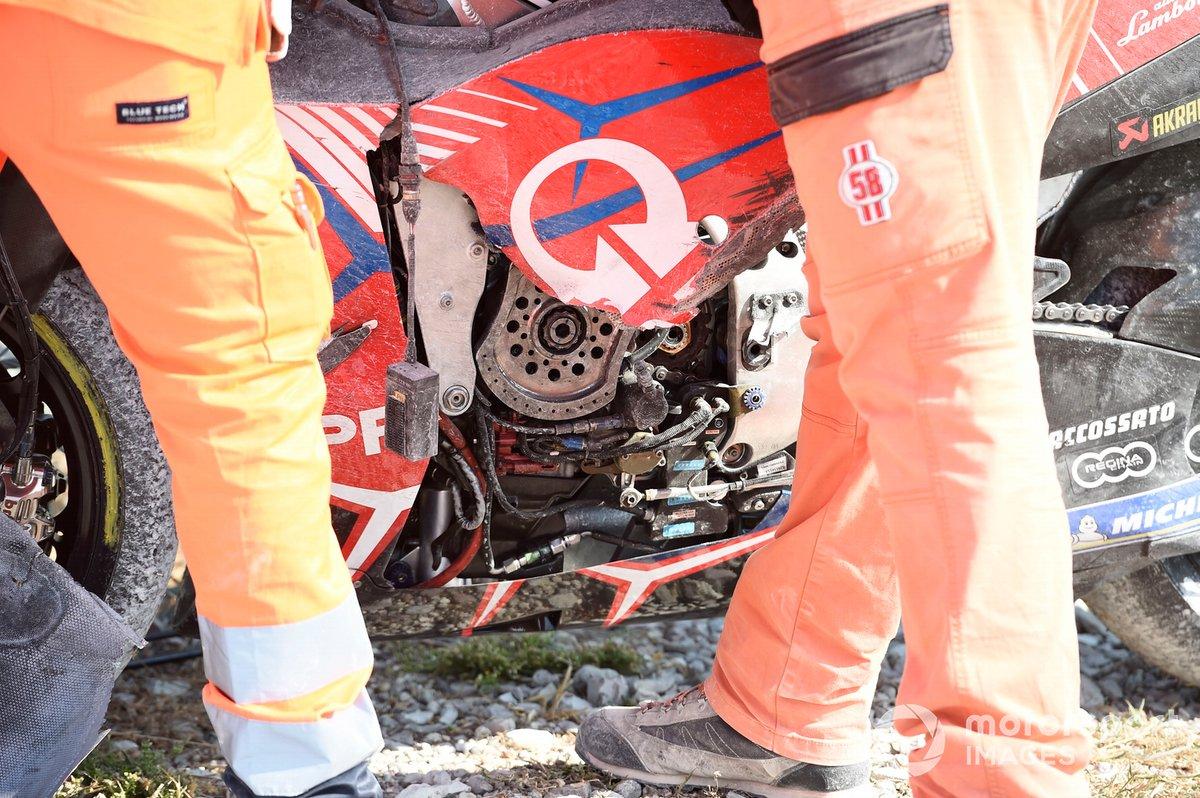 Moto de Pramac Ducati después de la caída motor
