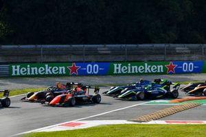 Dennis Hauger, Hitech Grand Prix en Lukas Dunner, MP Motorsport
