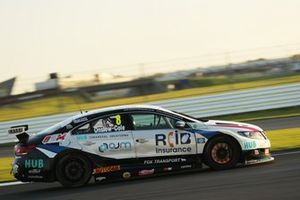 Tom Onslow Cole, RCIB Insurance Racing with Team HARD. Volkswagen CC