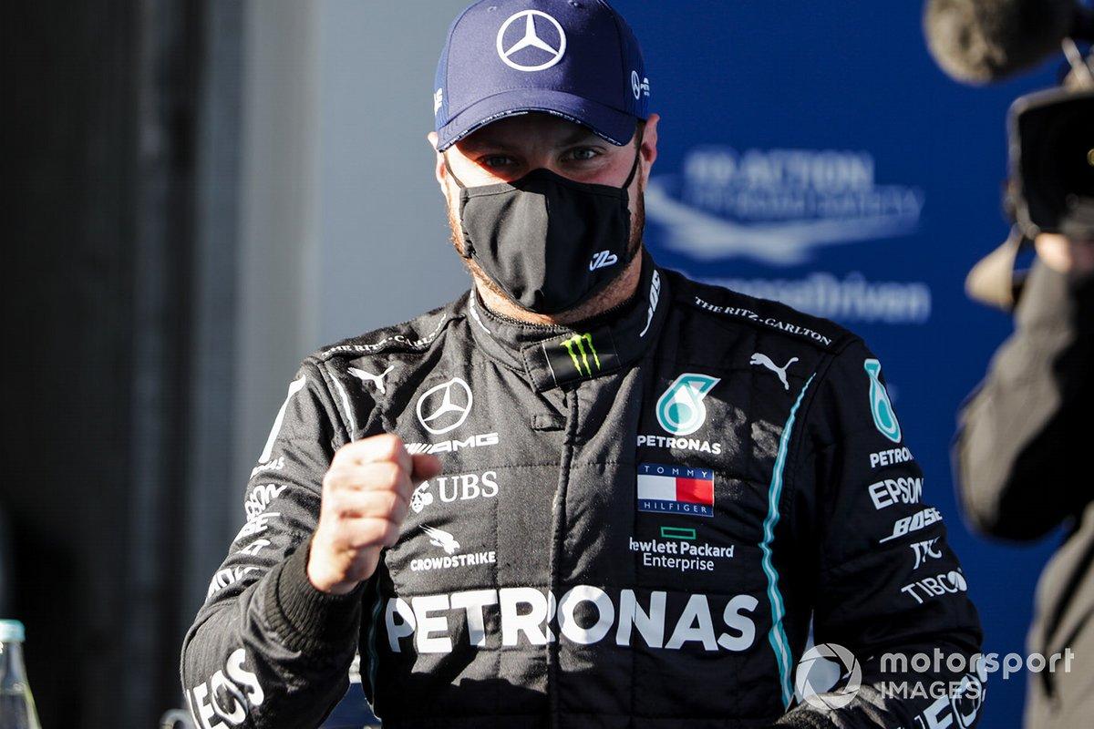 Ganador de la pole Valtteri Bottas, Mercedes F1