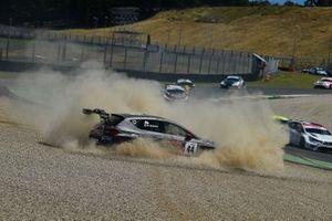 Fuori pista di Michele Imberti, Elite Motorsport, Cupra TCR