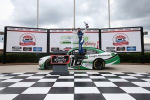 Yarış galibi A.J. Allmendinger, Kaulig Racing, Chevrolet Camaro