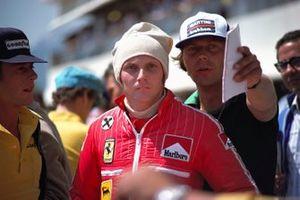 Niki Lauda, Ferrari, et le journaliste autrichien Heinz Pruller