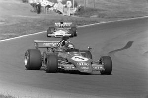 Ronnie Peterson, March 721G Ford leads Jean-Pierre Beltoise, BRM P160C