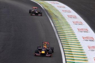 Mark Webber, Red Bull RB8 leads Daniel Ricciardo, Toro Rosso STR7