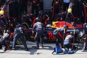 Max Verstappen, Red Bull Racing RB16, makes a pit stop