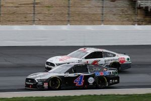Kevin Harvick, Stewart-Haas Racing, Mobil 1 Ford Mustang, Ryan Newman, Roush Fenway Racing, Guaranteed Rate Ford Mustang