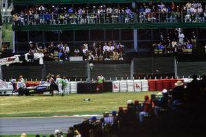 Bergung des Unfallautos von Jacques Villeneuve, Williams FW19